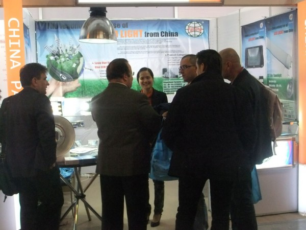 Warmly congratulated our company had a successful ending on LIVINLUCE 2011
